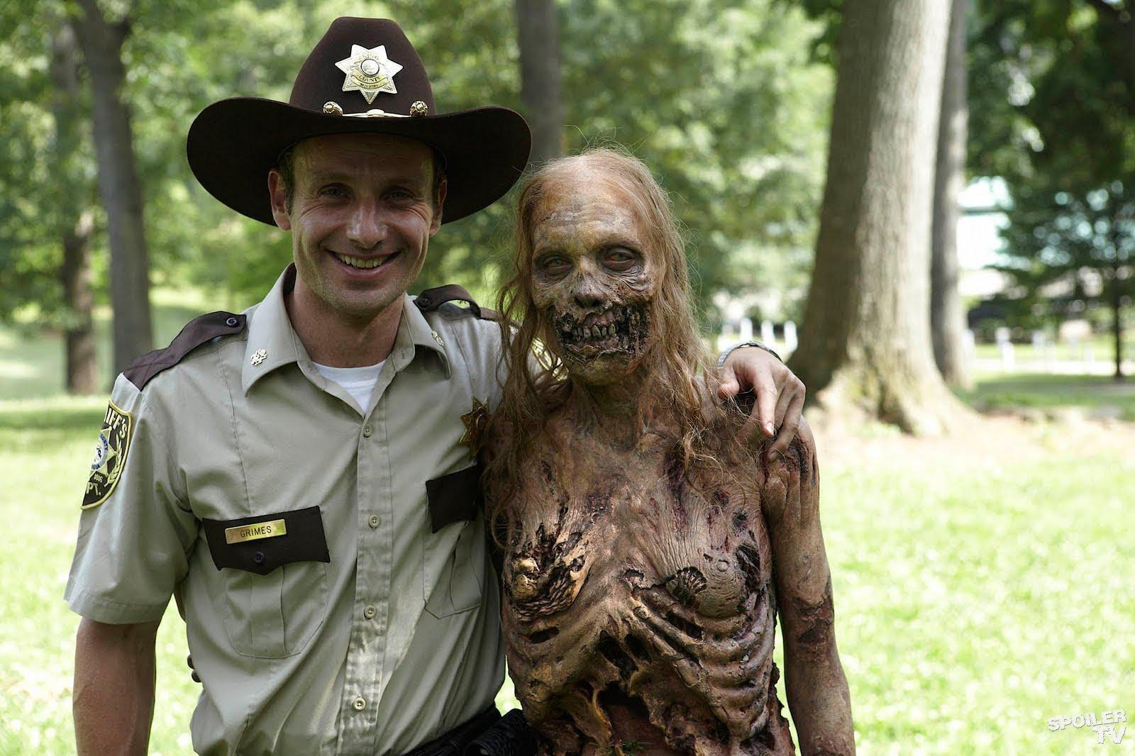 Runner Cast – The Walking Dead