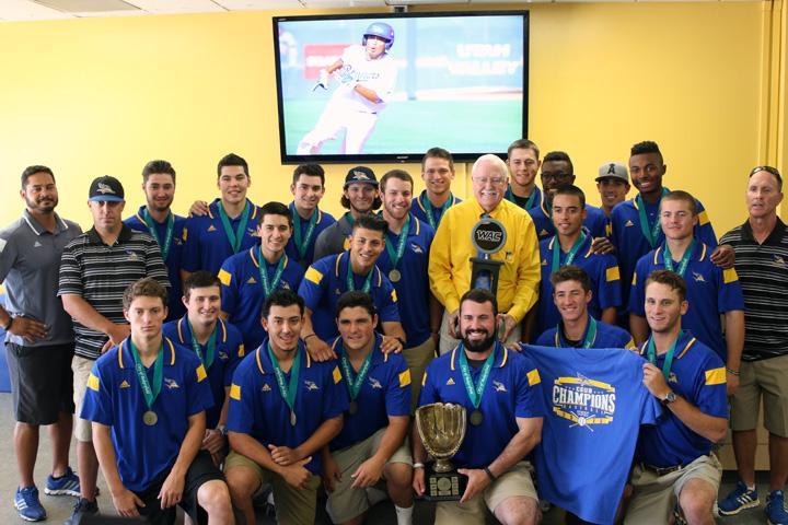 Mayor Hall honors CSUB baseball team