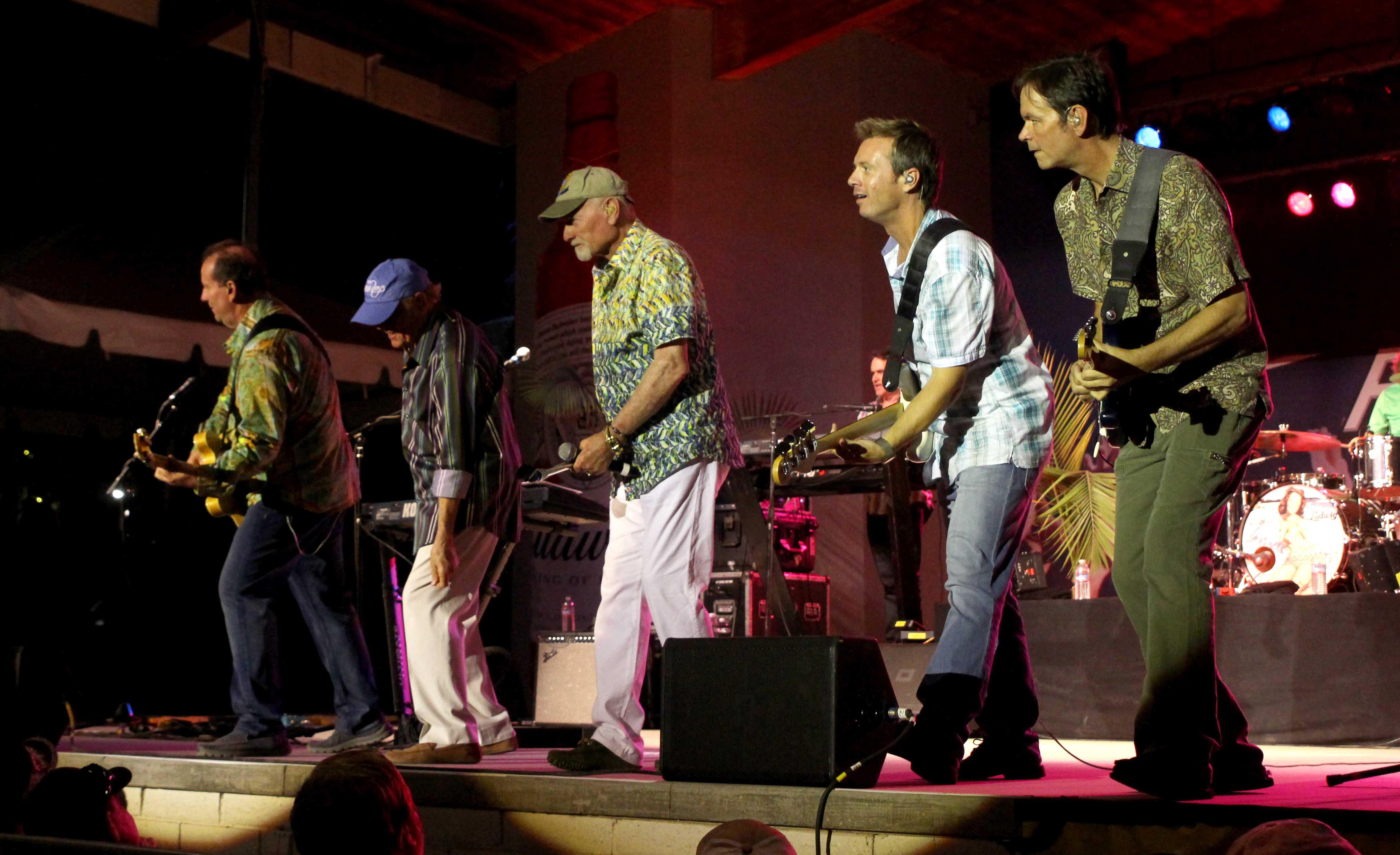 Beach Boys bring 'Good Vibes' to fair