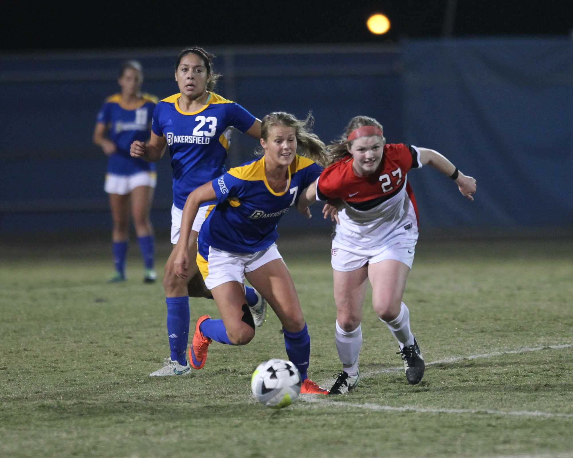 CSUB's Maja Green tries to win the ball from Seattle's senior forward Julia Moravec on Friday at the Main Soccer Field. Photo by AJ Alvarado/The Runner