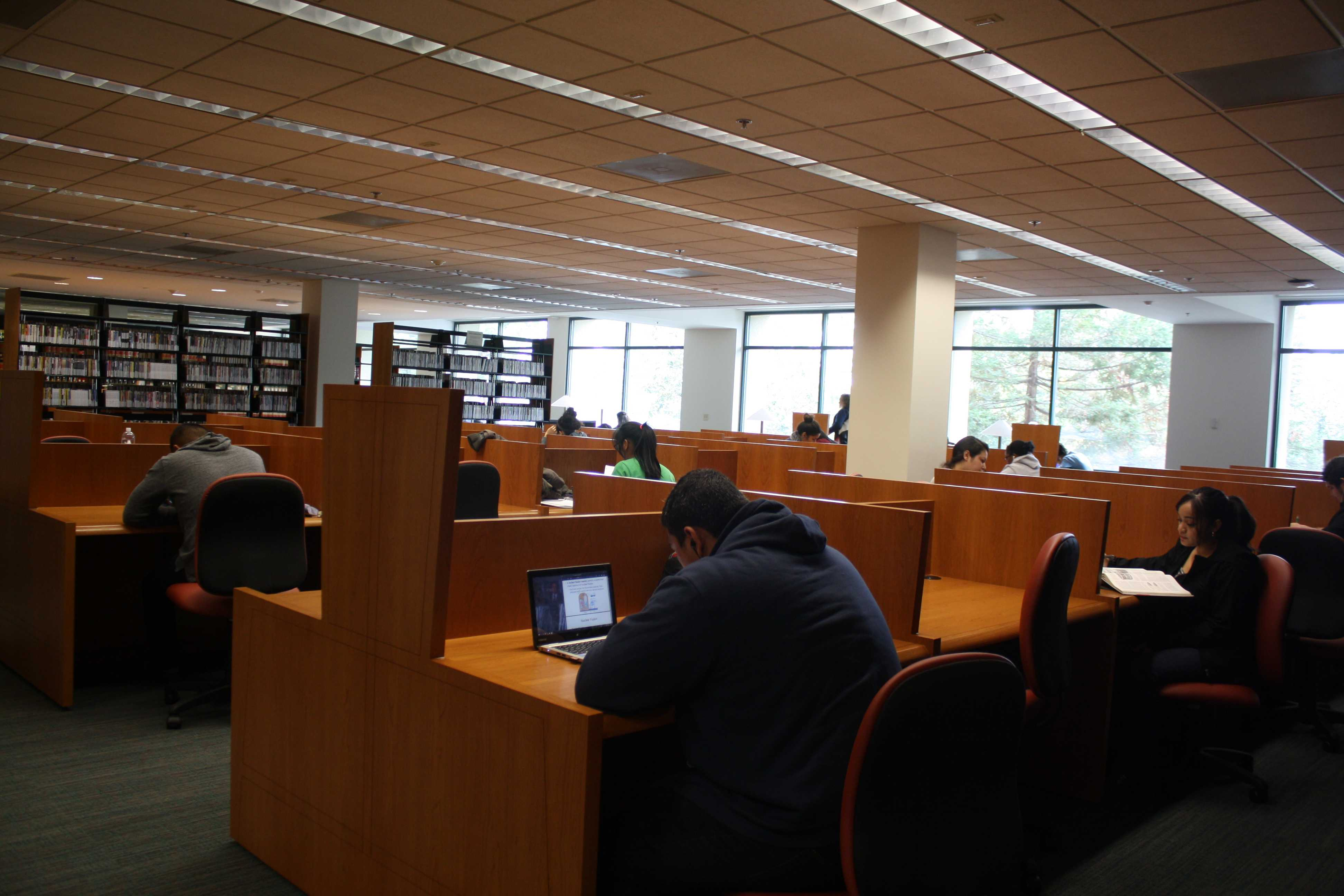 Students responding to extended library hours