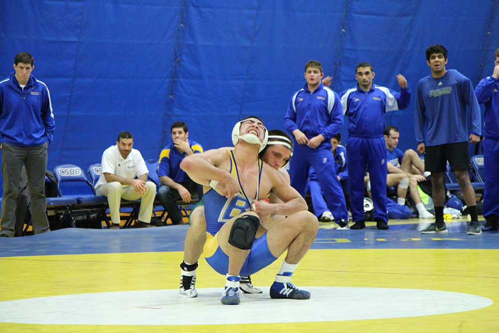 Wrestling rolls past Grand Canyon, 28-9