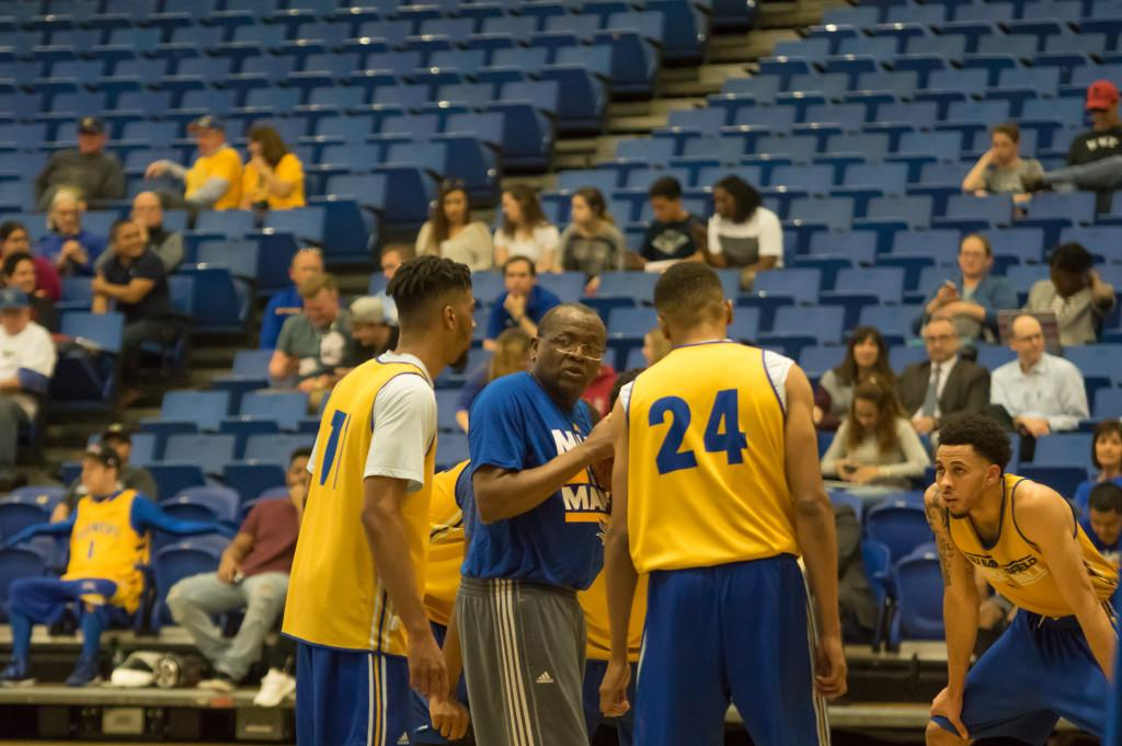 CSUB+head+coach+Rod+Barnes+talks+to+his+players+during+the+open+practice+on+Tuesday.%0APhoto+by+Ben+Patton%2FThe+Runner