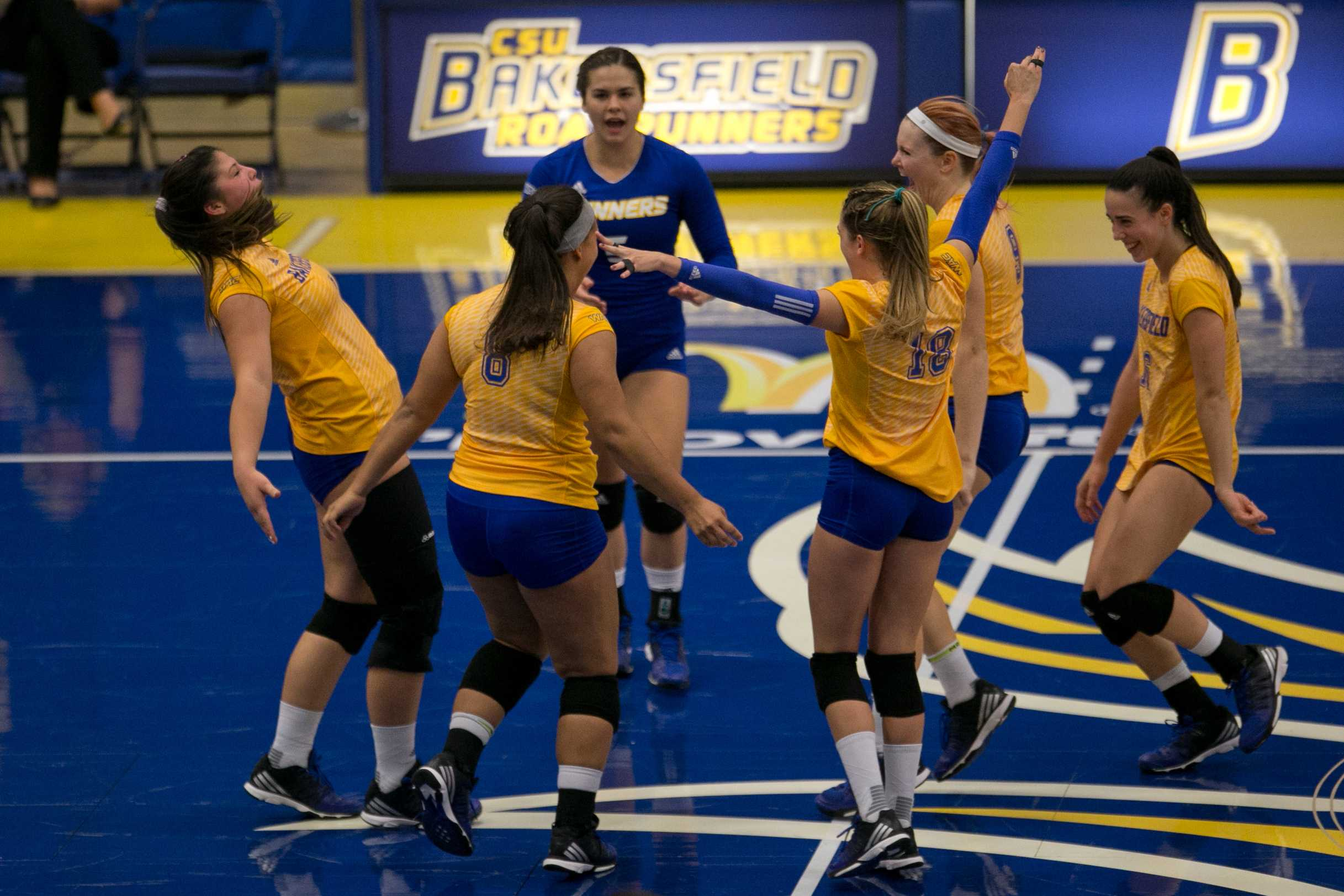 CSUB splits matches in Roadrunner Classic