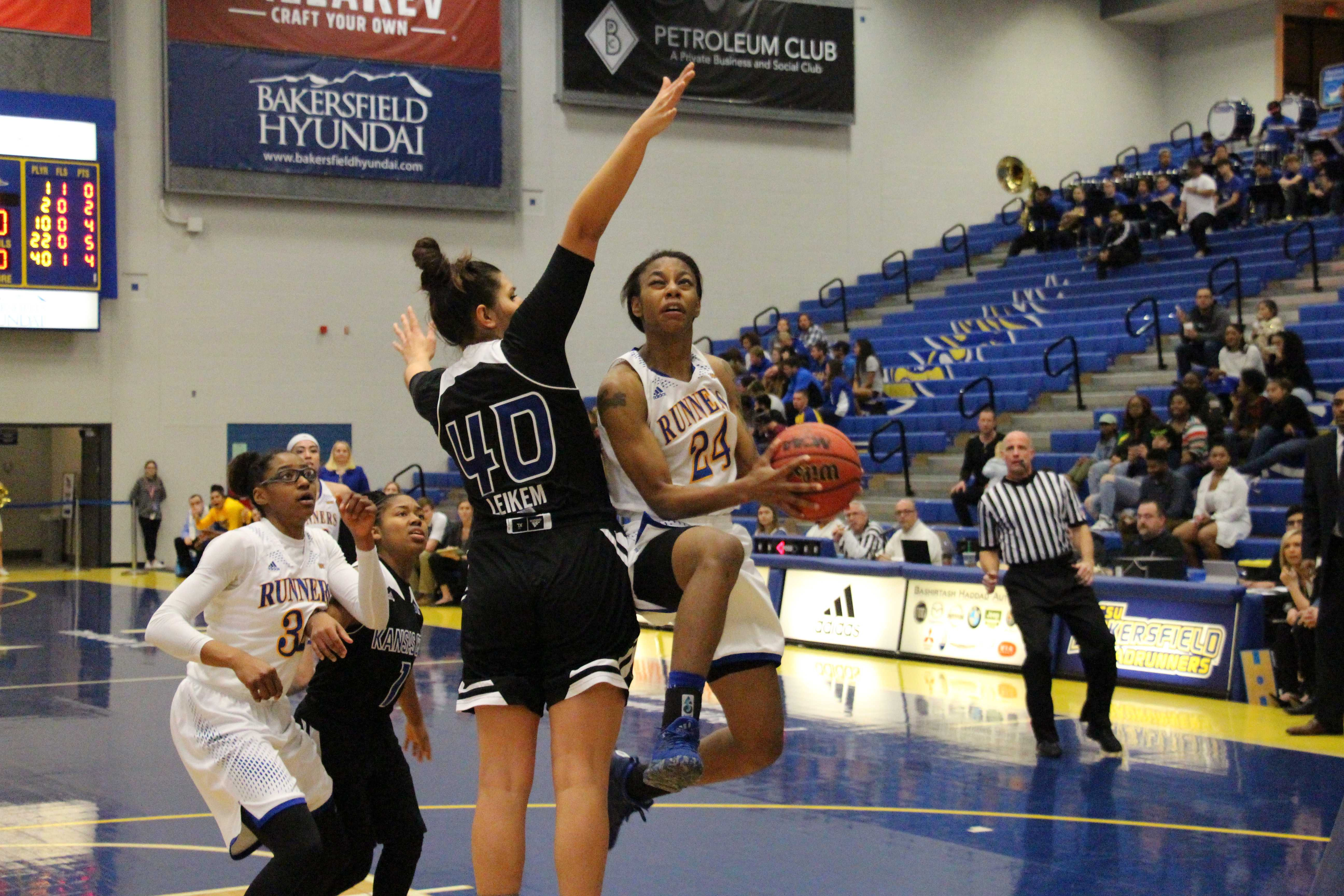 Roadrunners smother UMKC in record-setting day