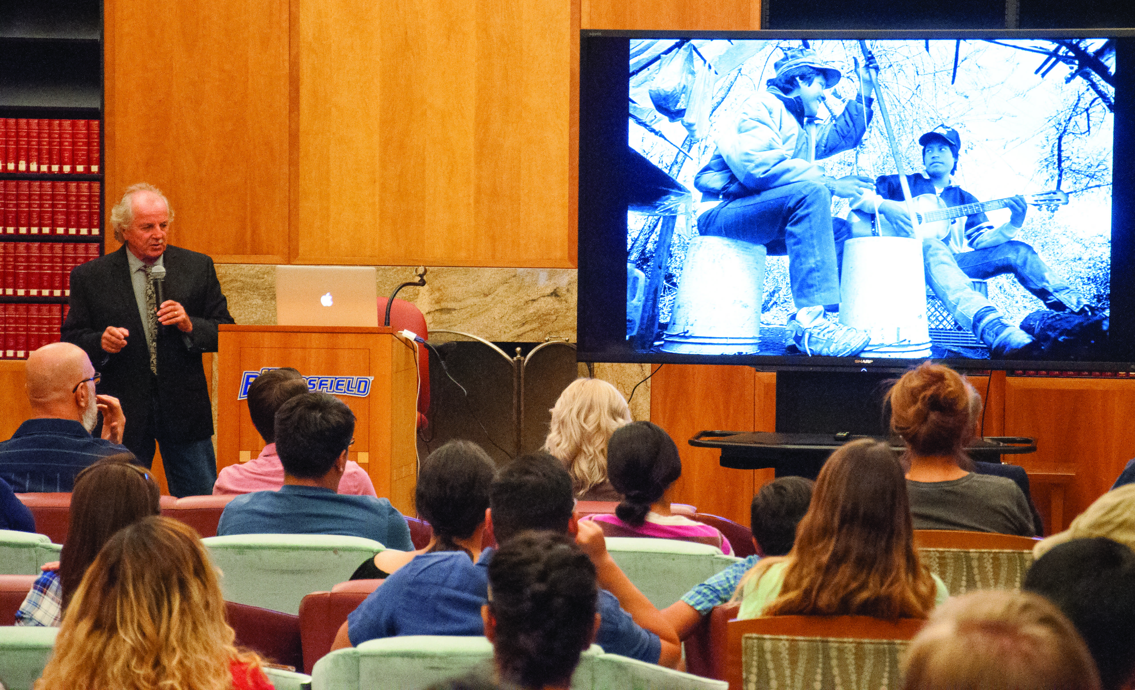 """Immigration reality: Don Bartletti shares and """"American Migrant Stories"""" screened to a packed room"""