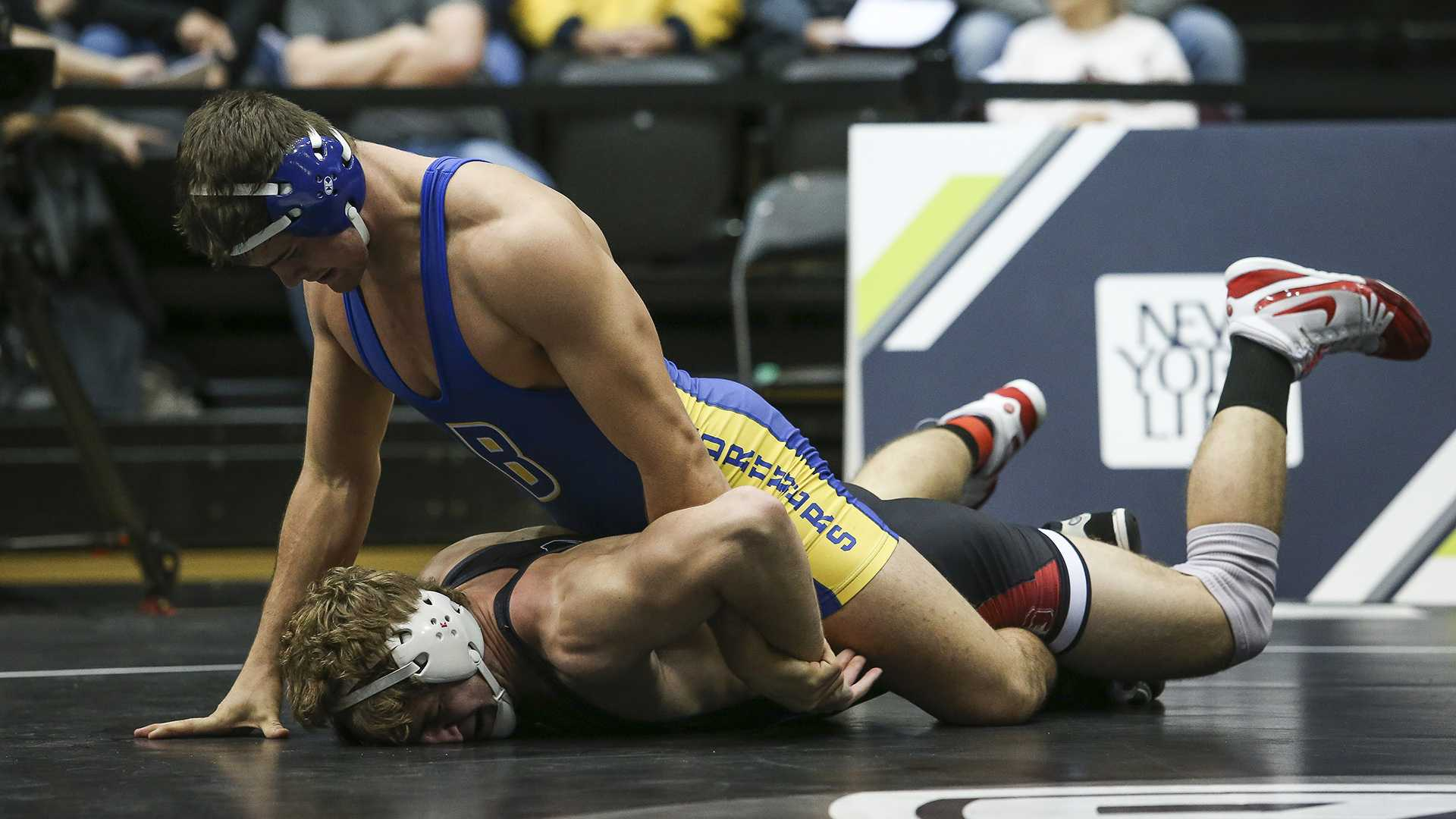 Wrestlers suffer defeats at NCAA Championships