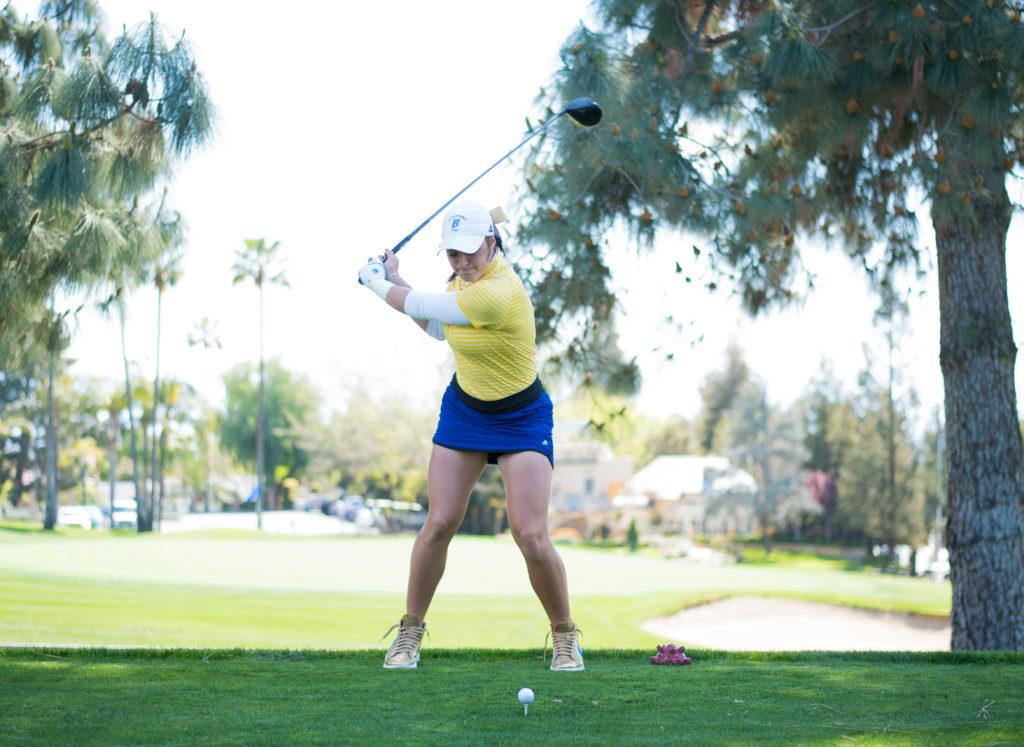 Sophomore+Macey+Mills+prepares+to+drive+at+the+Bakersfield+Country+Club+on+Monday%2C+March+26+in+a+CSUB-CSUN+dual.%0A%0APhoto%3A+Simer+Khurana