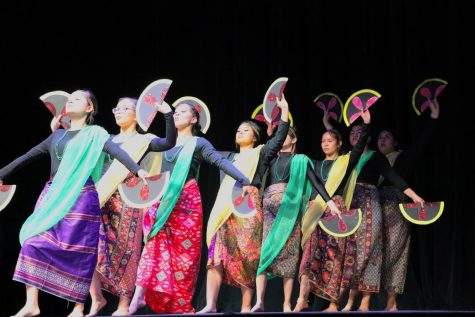 Pilipino culture celebrates with ritual dances, entertainment