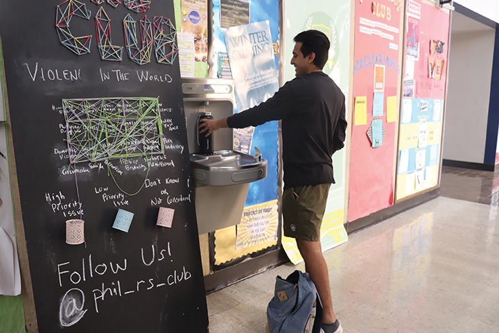 A+student+using+one+of+the+campus%27s+water+filling+stations.+Photo+by+Ruuna+Morisawa.+