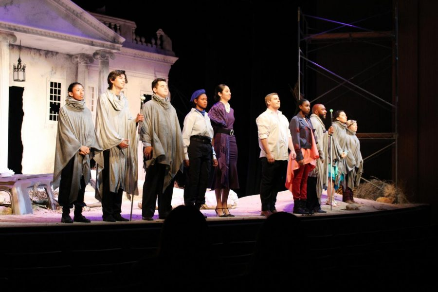 The+cast+of+Antigone+lines+up+for+a+final+bow+after+the+play%E2%80%99s+final+scene+in+the+Dore+Theatre+on+Oct+26.