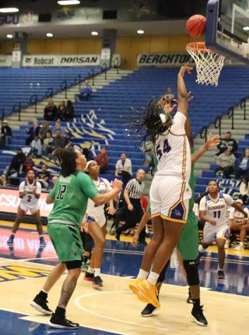 Women's basketball team surges past North Texas